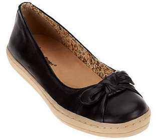 BareTraps Trycia Leather Flats w/ Bow Detail