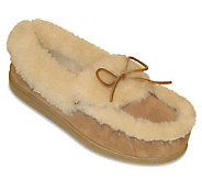 Minnetonka The Ultimate Sheepskin Slippers - A170023