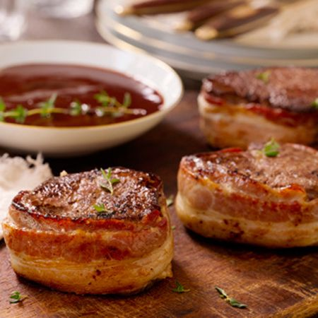 Bacon-Wrapped Beef Tenderloin with Red Wine Sauce