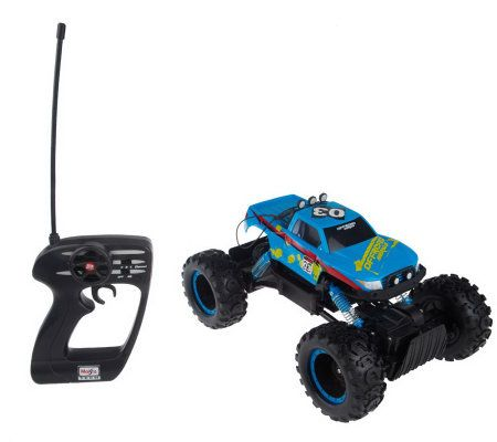 Rock Crawler Off Road RC Vehicle w/ Front & Rear Suspension —