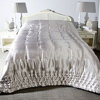 832119  Kelly Hoppen Checked Stitched Quilted Border Bedspread